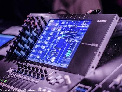 sound-engineer-audio-engineer