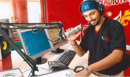 radio-jockeying