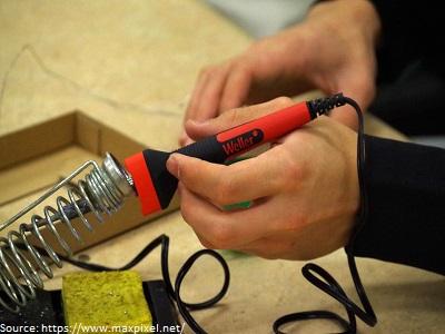 domestic-appliance-repair-technician